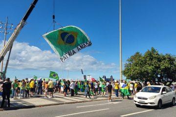 Manifestantes fazem atos a favor de Bolsonaro e do voto impresso nas eleições de 2022