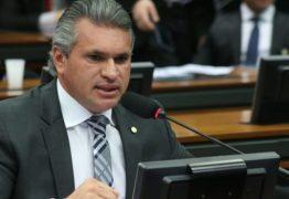 """""""O presidente jogou uma pá de cal na imagem do Brasil lá fora"""", diz Julian Lemos após polêmicas que envolvem Bolsonaro e repercutem internacionalmente"""