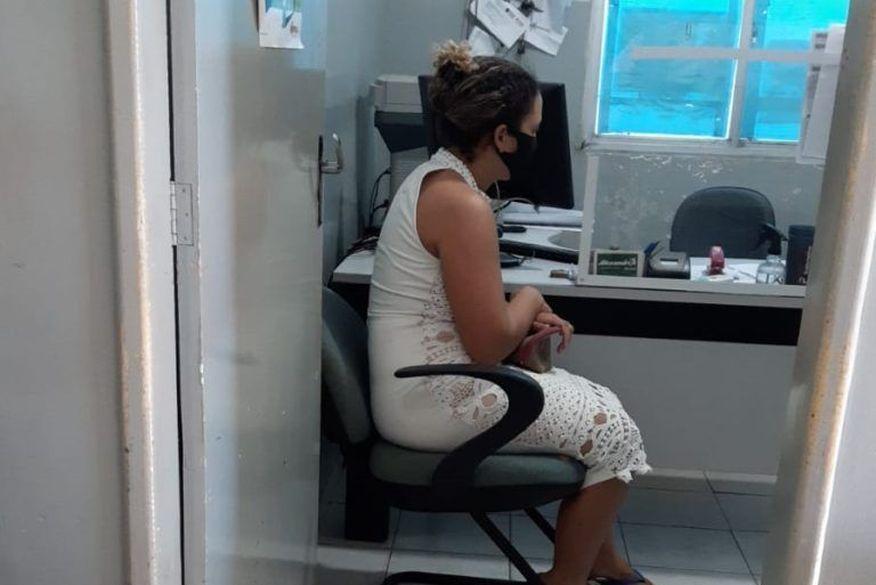 katia 768x623 1 - Mulher que mentiu sobre bolsa com R$ 47 mil ficará em prisão domiciliar