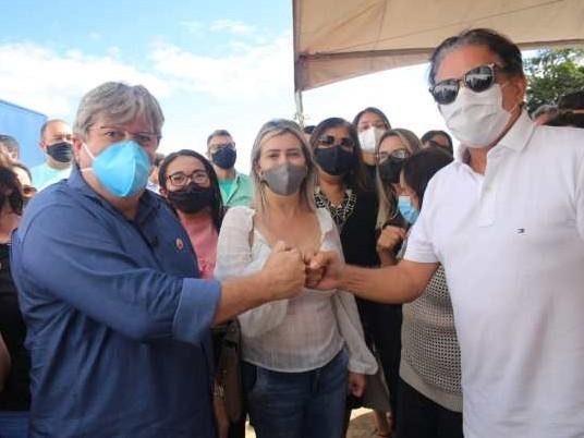kojo - João Azevêdo, Tião Gomes e prefeita de Areia inauguram sistema de abastecimento de água em Mata Limpa
