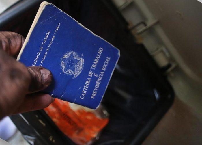 lixoclt e1573687023358 - Sem carteira nem férias, 13º salário e FGTS: o que a nova reforma muda para alguns