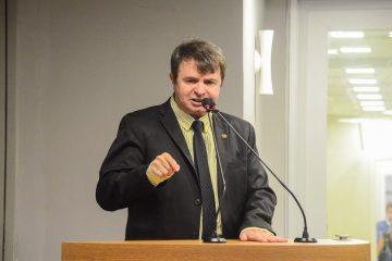 Deputado paraibano aconselha eleitores a apedrejar políticos – VEJA VÍDEO