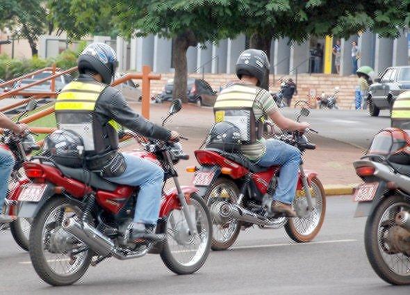 moto taxi - Prefeitura adia entrega de cestas básicas para motoristas, taxistas e mototaxistas; confira nova data