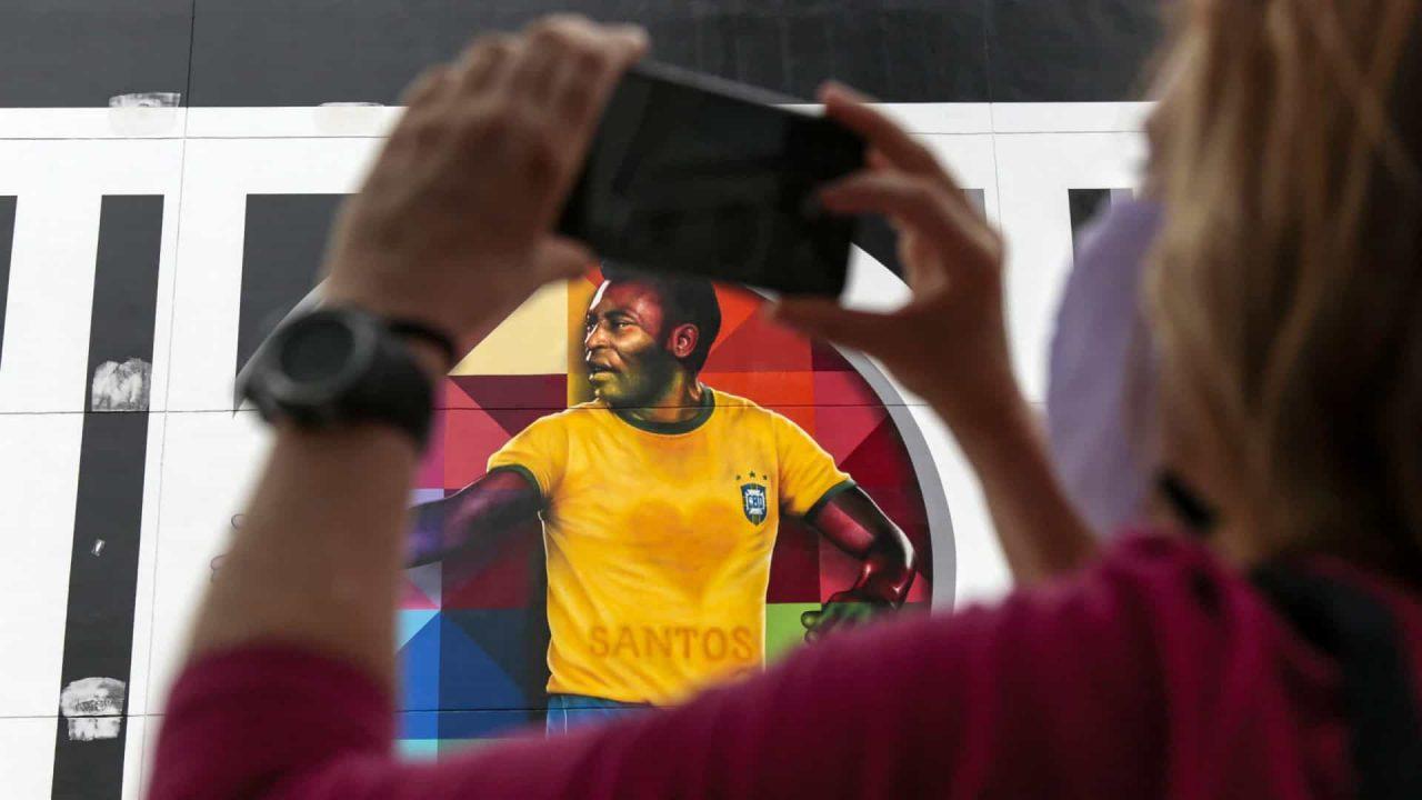 naom 6001774ab0f6d scaled - Futebol brasileiro enterra a mística da camisa 10 construída por Pelé