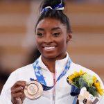 naom 61091d2a129fc 150x150 - Simone Biles fica com o bronze na trave; chinesa leva o ouro