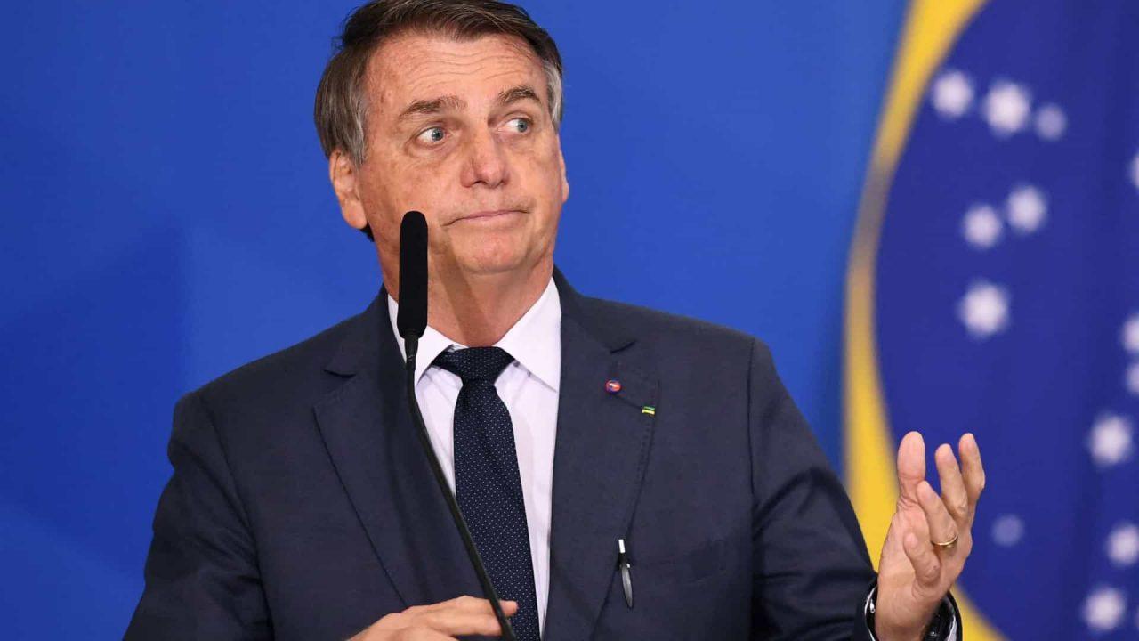 naom 612896e5732b2 scaled - Bolsonaro volta a criticar ministros do STF e do TSE