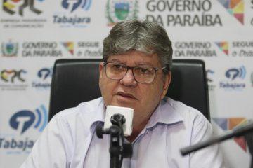João Azevêdo na TV Arapuan: 'Na minha chapa não terá nenhum nome que vote em Bolsonaro'