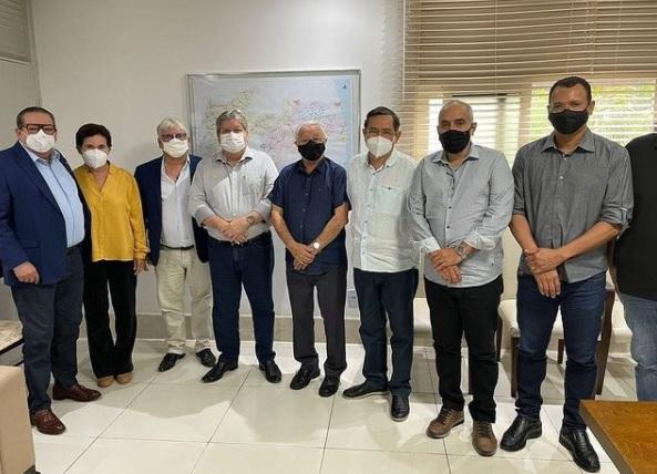 petistas joao - Petistas se encontram com João Azevêdo para articular palanque de Lula na Paraíba