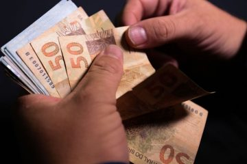 realdinheiro moeda 1310202270 360x240 - Mercado financeiro eleva projeção da inflação para 6,79%