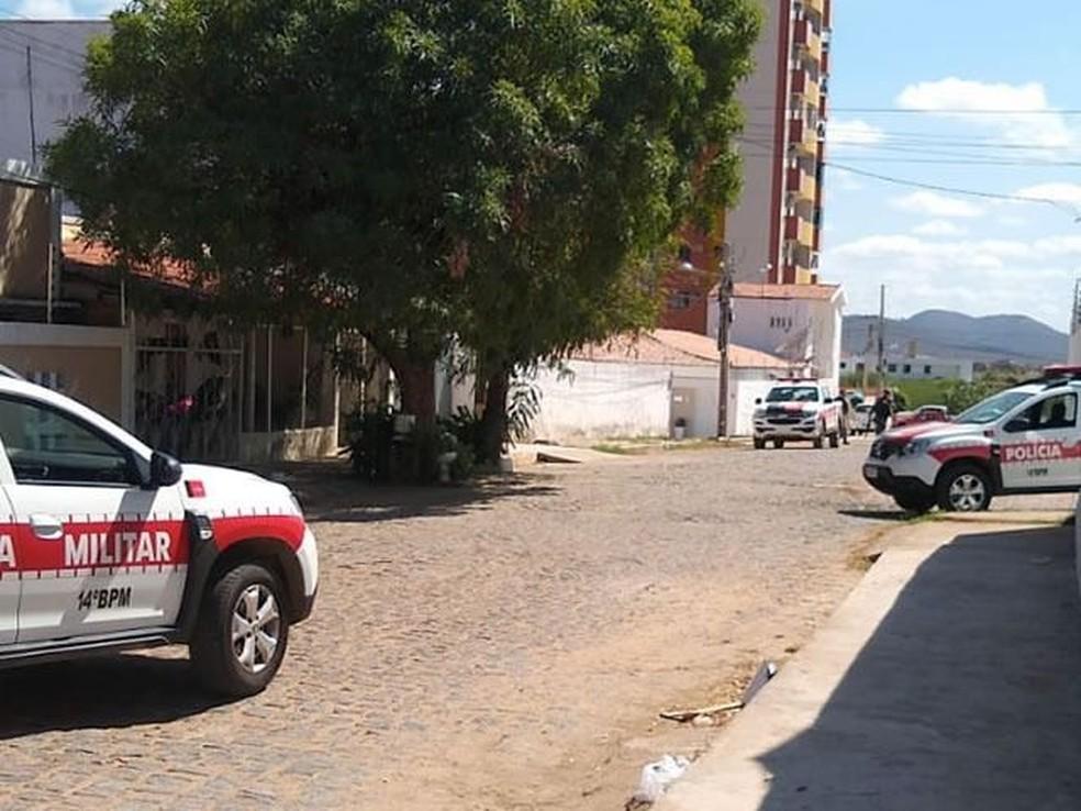 sousa - Suspeito de assaltar escola e fazer professoras reféns é morto em confronto com a polícia, na PB