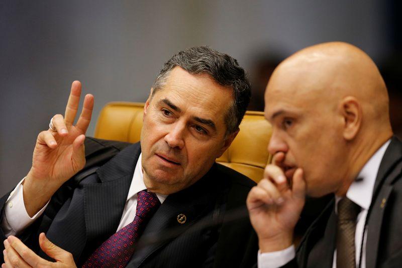 tagreuters.com2021binary LYNXMPEH751AE BASEIMAGE - 'POVO NÃO ACEITARÁ PASSIVAMENTE': Bolsonaro pedirá ao Senado impeachment de ministros Barroso e Moraes do STF