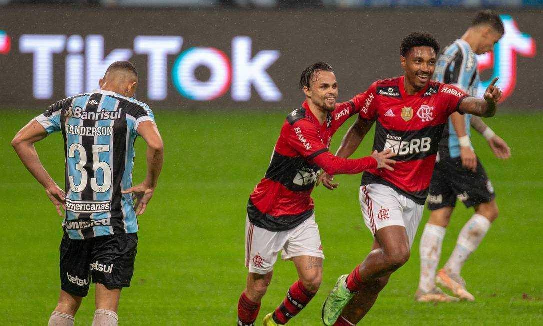 xflamengo.jpg.pagespeed.ic .TCGW1medmR - Flamengo goleia Grêmio por 4 a 0 na Copa do Brasil
