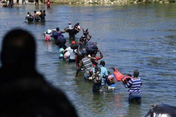 120674694 gettyimages 1235451489 360x240 - CRISE MIGRATÓRIA: EUA deportam 30 crianças brasileiras para o Haiti