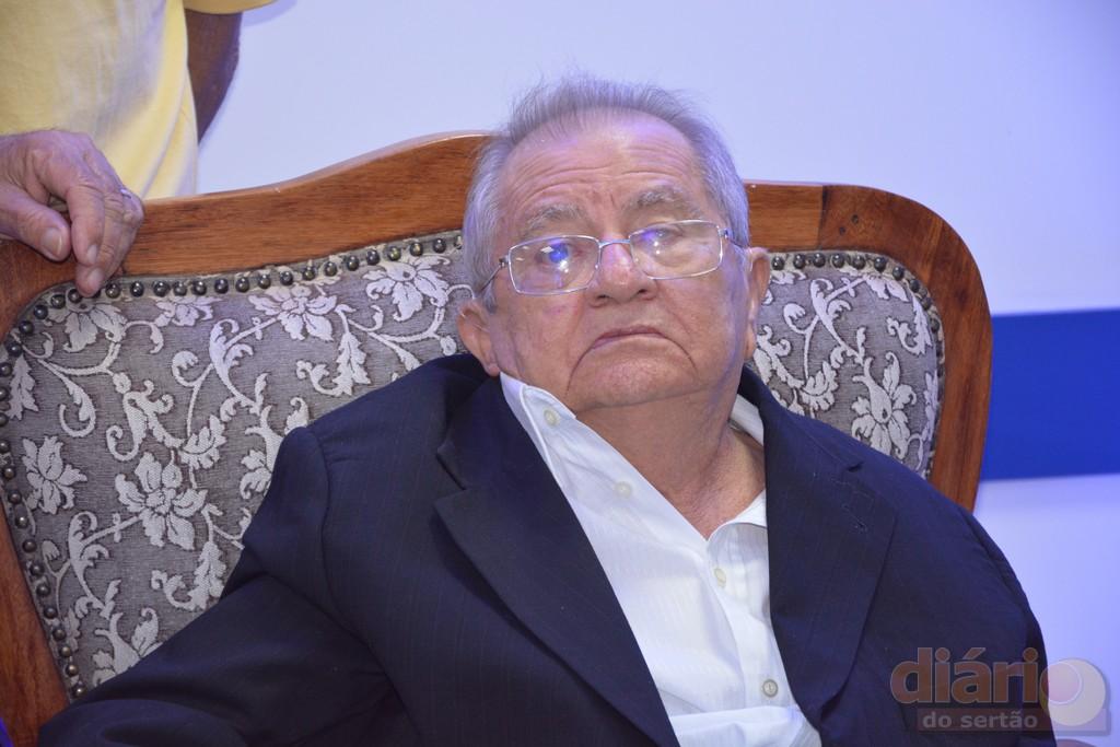 13sest senat cajazeiras - Ex-prefeito de Cajazeiras, Zerinho é transferido para hospital de João Pessoa e passa por cateterismo