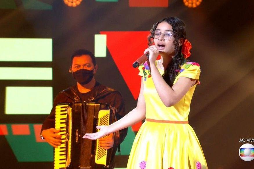 14 - Paraibana Helloysa do Pandeiro chega à rodada final do The Voice Kids, ganha contrato com a Universal Music e prêmio de R$ 250 mil