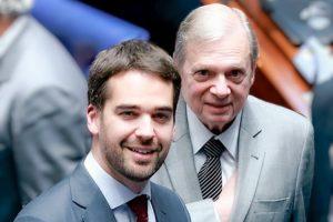 1 tasso leite 16287991 300x200 - Tasso Jereissati desiste de pré-candidatura à Presidência para apoiar Eduardo Leite contra Doria