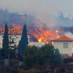 2021 09 20t081618z 1347725696 rc2ktp9k1xzj rtrmadp 3 spain volcano 150x150 - Lava de vulcão nas Canárias chega a casas, e milhares de pessoas fogem - VEJA VÍDEO