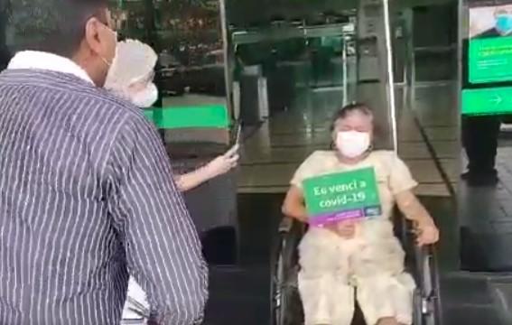 2222 - RECEPCIONADA COM FORRÓ: viúva de Pinto do Acordeon recebe alta após tratamento da Covid-19 - VEJA VÍDEO