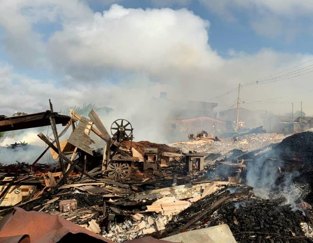 242119730 231486762266066 4195851333587621955 n - Após 16 horas de chamas, Corpo de Bombeiros controla incêndio que atingiu madeireira na Paraíba - VÍDEO