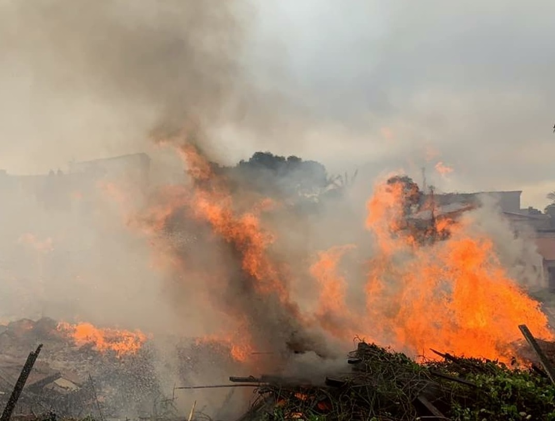 242211801 544249953509175 9044523518679241479 n - Após 16 horas de chamas, Corpo de Bombeiros controla incêndio que atingiu madeireira na Paraíba - VÍDEO
