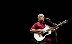 264594 970x600 1 1 300x186 - De Caetano a Safadão: cantores brasileiros aproveitam shows no exterior enquanto restrições permanecem no Brasil