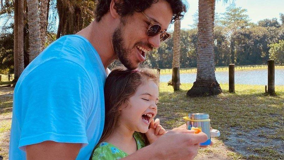 29kitg0qe8xk4cgwvepz785a7 - José Loreto curte dia de piscina com a filha e encanta nas redes sociais - VEJA VÍDEO