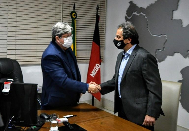 33b830c9 bcda 4be4 8071 f5d47b6870b8 - João Azevêdo assina contrato para implantação da sede do Grupo Capri e assegura geração de novos empregos