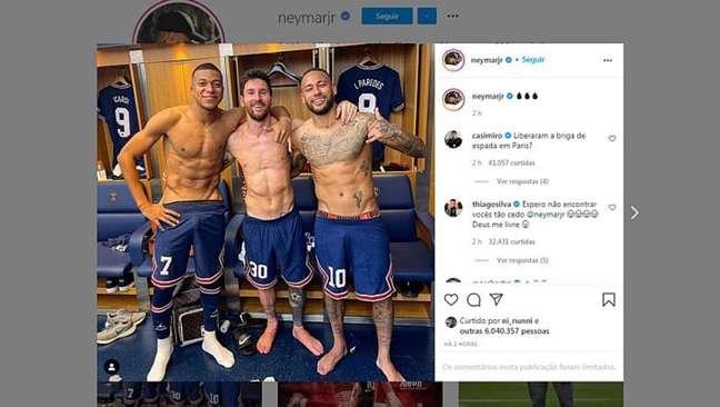 352280825 1632874154464 - Neymar posta foto com Mbappé e Messi no vestiário e argentino avisa: 'Estamos nos conhecendo mais'
