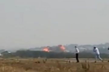 3bf1d527d48fd3d319ddc145f056c32f 360x240 - Pessoas gritam de desespero após queda de avião que matou 7 pessoas