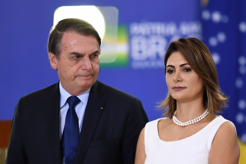 """444198 01 02 8686300 - """"Maior de idade, sabe o que faz"""", diz presidente sobre Michelle Bolsonaro ter se vacinado contra Covid"""