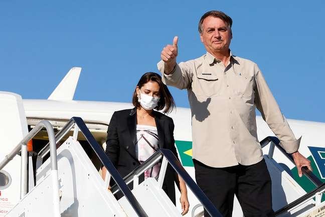 """51493149642 f2a5b3dcab c - Michelle se vacinou contra covid em NY, diz Bolsonaro: """"maior de idade e sabe o que faz"""""""