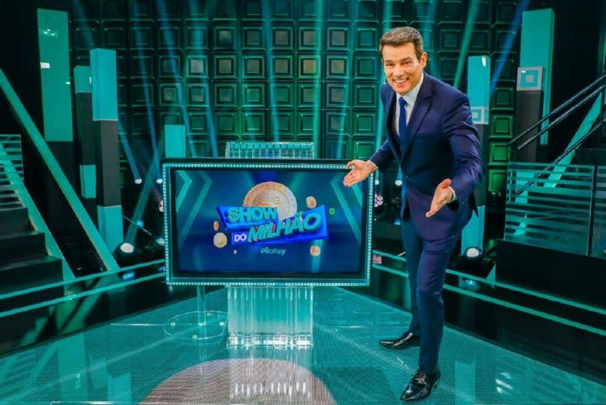 5dc9040f show do milhao agora apresentado por celso portiolli retorna ao sbt apos 12 anos - Show do Milhão retorna ao SBT após 12 anos