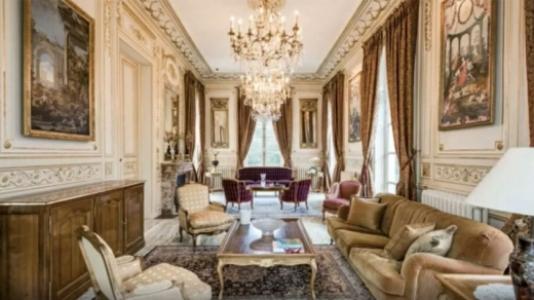 6148bedddfcb7 - Morando em um hotel, Messi estaria de olho em castelo de R$ 41 milhões de libras para se mudar com a família - VEJA FOTOS