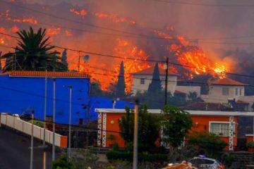 ASSUSTADOR: Cume do vulcão de La Palma sofre ruptura parcial em meio a fechamento de aeroporto