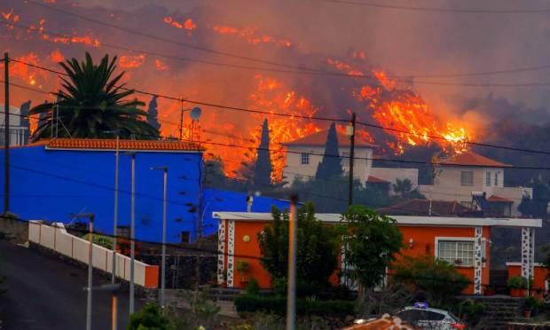 620x372xNINTCHDBPICT000681112761.jpeg.jpg.pagespeed.ic .7GVzk4cL0A - ASSUSTADOR: Cume do vulcão de La Palma sofre ruptura parcial em meio a fechamento de aeroporto
