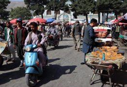 Protesto de afegãs é reprimido com violência pelo Talibã neste sábado (05)