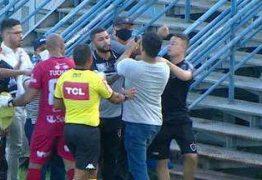 CONFUSÃO: Dirigentes de Manaus e Botafogo-PB saem no soco depois de partida decisiva na Série C – VEJA VÍDEO