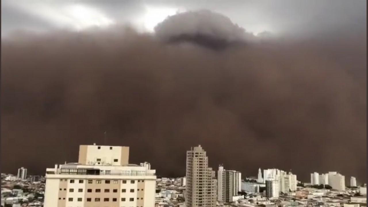 9CB8DED0 3EC8 41F3 9DDD 3DA23AD9B3D5 - DIA VIROU NOITE: grande tempestade de areia assusta moradores de cidades de São Paulo - VEJA VÍDEOS