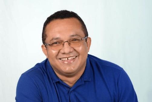 Abraao Junior - CRISE POLÍTICA: Mãe do Presidente da Câmara de Sapé tem princípio de AVC após agressões de ex-prefeita em trio elétrico
