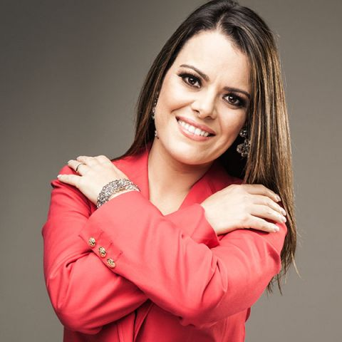 Ana Paula Valadao - DOMINANDO AS IGREJAS: conheça os pastores e cantores que se tornaram celebridades e são polêmicos no mundo gospel