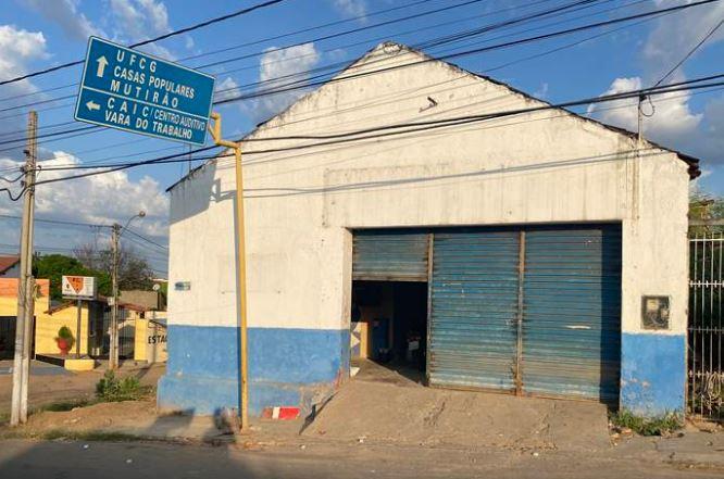 BANDIDDOS - Bandidos roubam mais de R$ 8 mil, após arrombarem lava-jato em Cajazeiras - VEJA VÍDEO