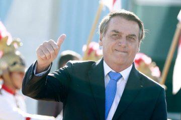 """Sem partido, Bolsonaro diz que está mais próximo de se filiar ao PP ou PL: """"Me dou muito bem com os dois"""""""