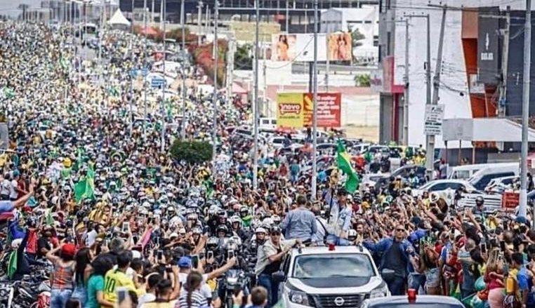 Bolsonaro e1630772337583 - Em Pernambuco, Bolsonaro diz não querer ruptura: 'poder moderador é o povo'