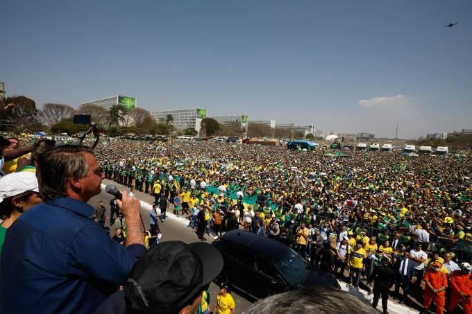 Bolsonaro em Brasilia - LIDERANÇAS SOBEM O TOM: Discurso de Bolsonaro impulsiona adesões à tese de impeachment