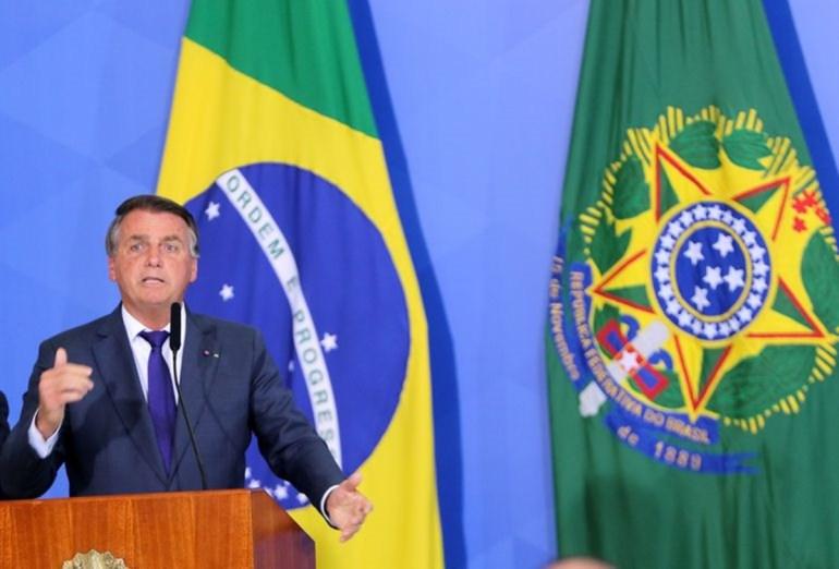 """Bolsonaro - No Sete de Setembro, Bolsonaro segue enredo da """"aventura golpista"""" - Por Nonato Guedes"""