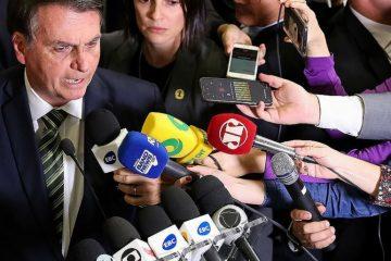 Bolsonaro2 360x240 - Estudo aponta meio milhão de tuítes ofensivos à imprensa em três meses no Brasil