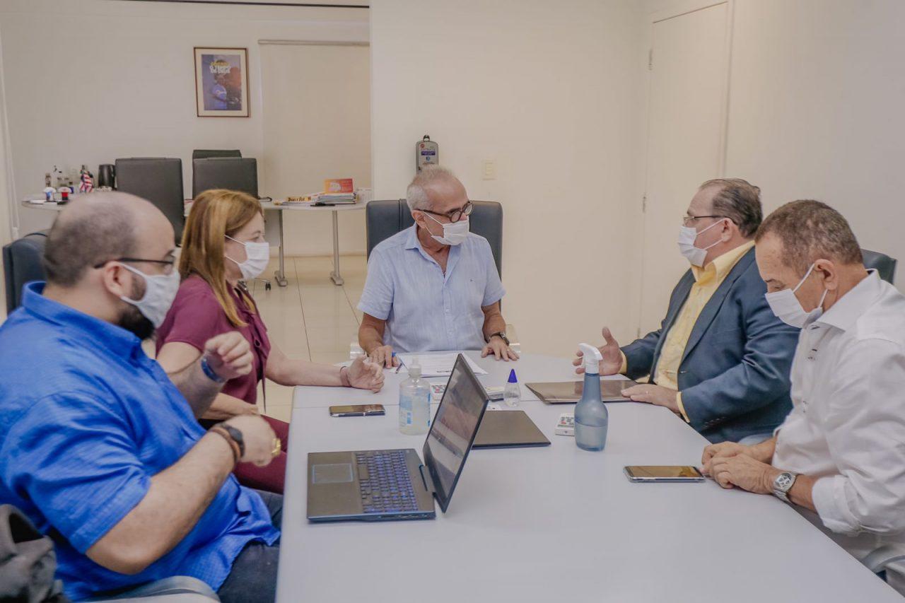 CICERO E MINISTERIO scaled - Prefeitura de João Pessoa e Ministério da Agricultura firmam parceria para implantar Estação Digital Móvel