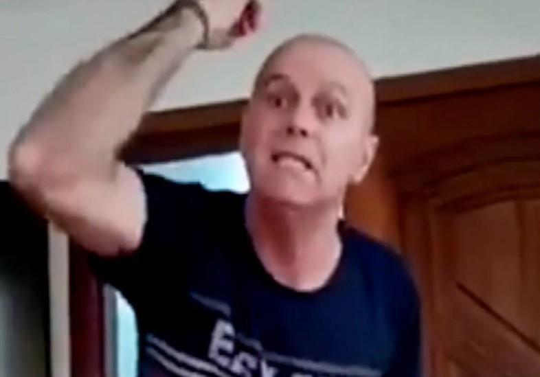 Captura de tela 2021 09 17 201158 - Homem que faz insultos racistas em vídeo é PM da reserva de SC; assista