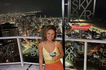 Captura de tela 2021 09 22 220035 360x240 - NAS ALTURAS: atriz Paloma Bernardi curte noite de Lua Cheia no Sky Bar, em João Pessoa