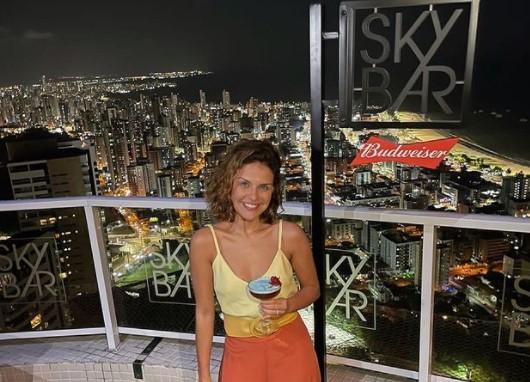 Captura de tela 2021 09 22 220035 - NAS ALTURAS: atriz Paloma Bernardi curte noite de Lua Cheia no Sky Bar, em João Pessoa